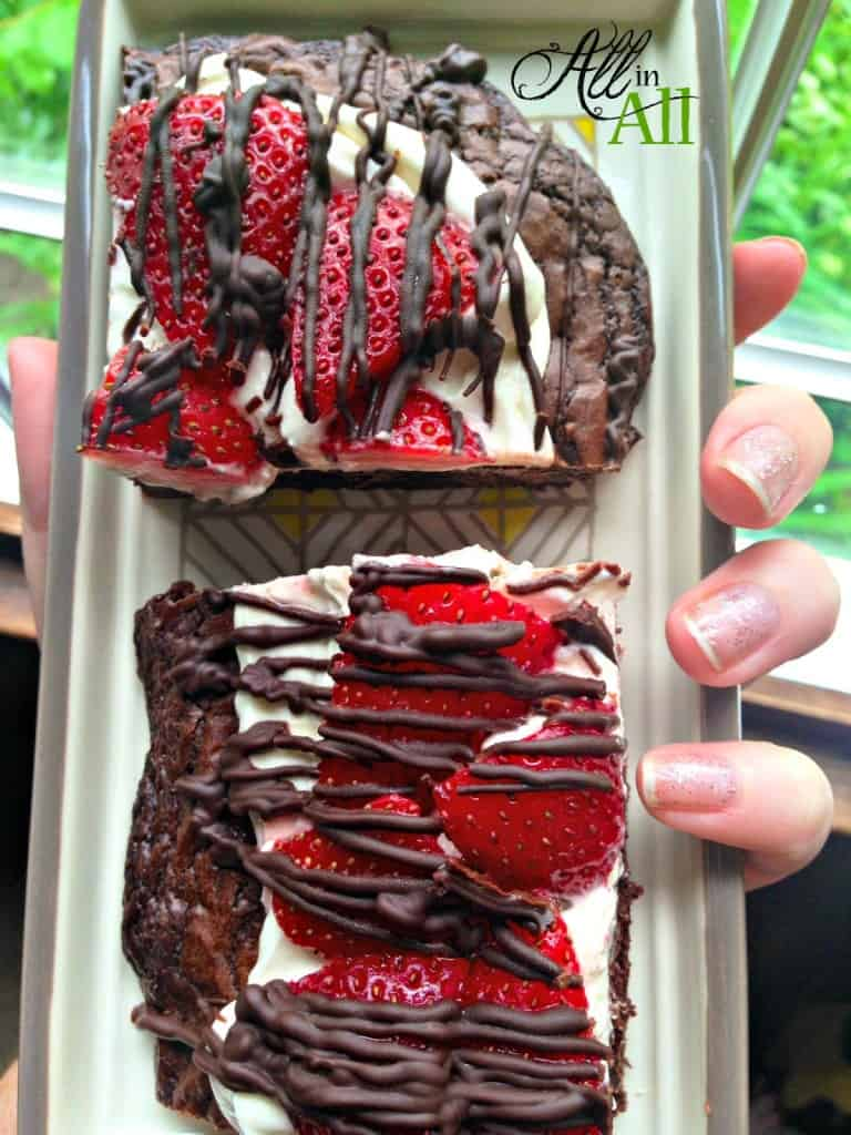 Double-Chocolate-Strawberry-Pizza