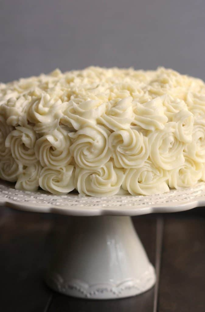 recipe for white wedding cake frosting a bakery quality white cake with buttercream 19037