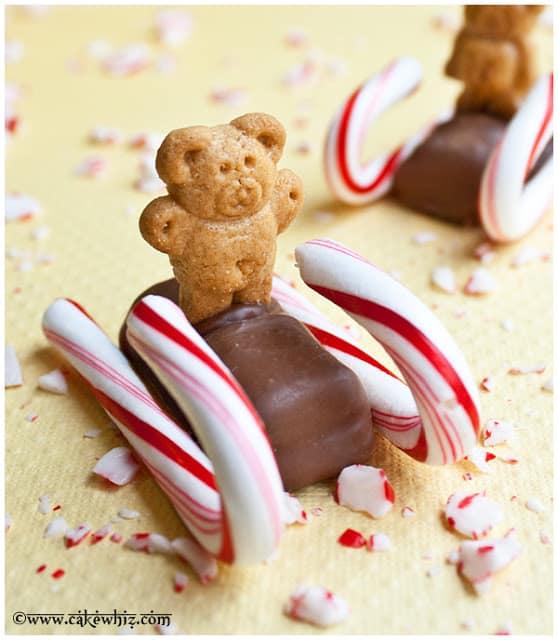http://cakewhiz.com/christmas-candy-cane-sleds/