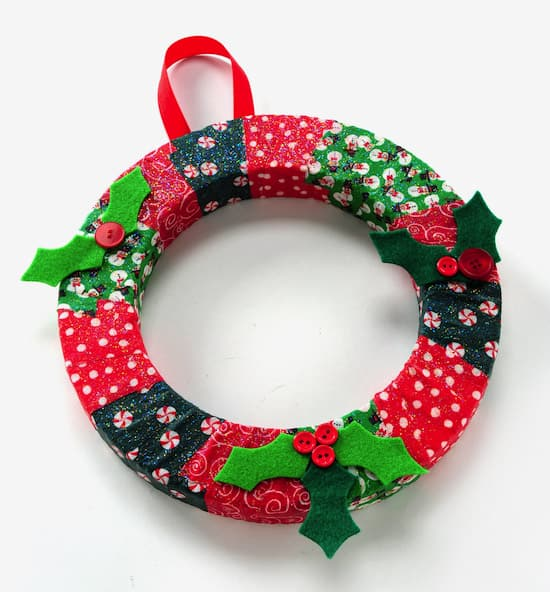 http://modpodgerocksblog.com/2012/11/diy-wreath-christmas-kids-craft.html