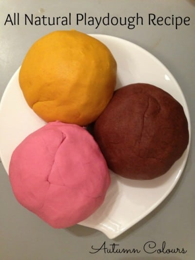 http://www.greenmomscollective.ca/autumn-natural-playdough/