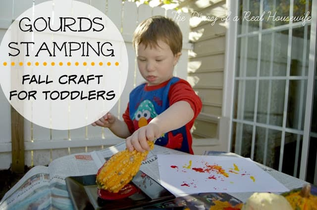http://thediaryofarealhousewife.com/2014/11/gourd-stamping-fall-craft-for-toddlers.html