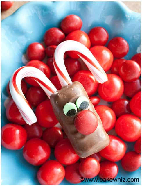 http://cakewhiz.com/rudolph-chocolate-bars/