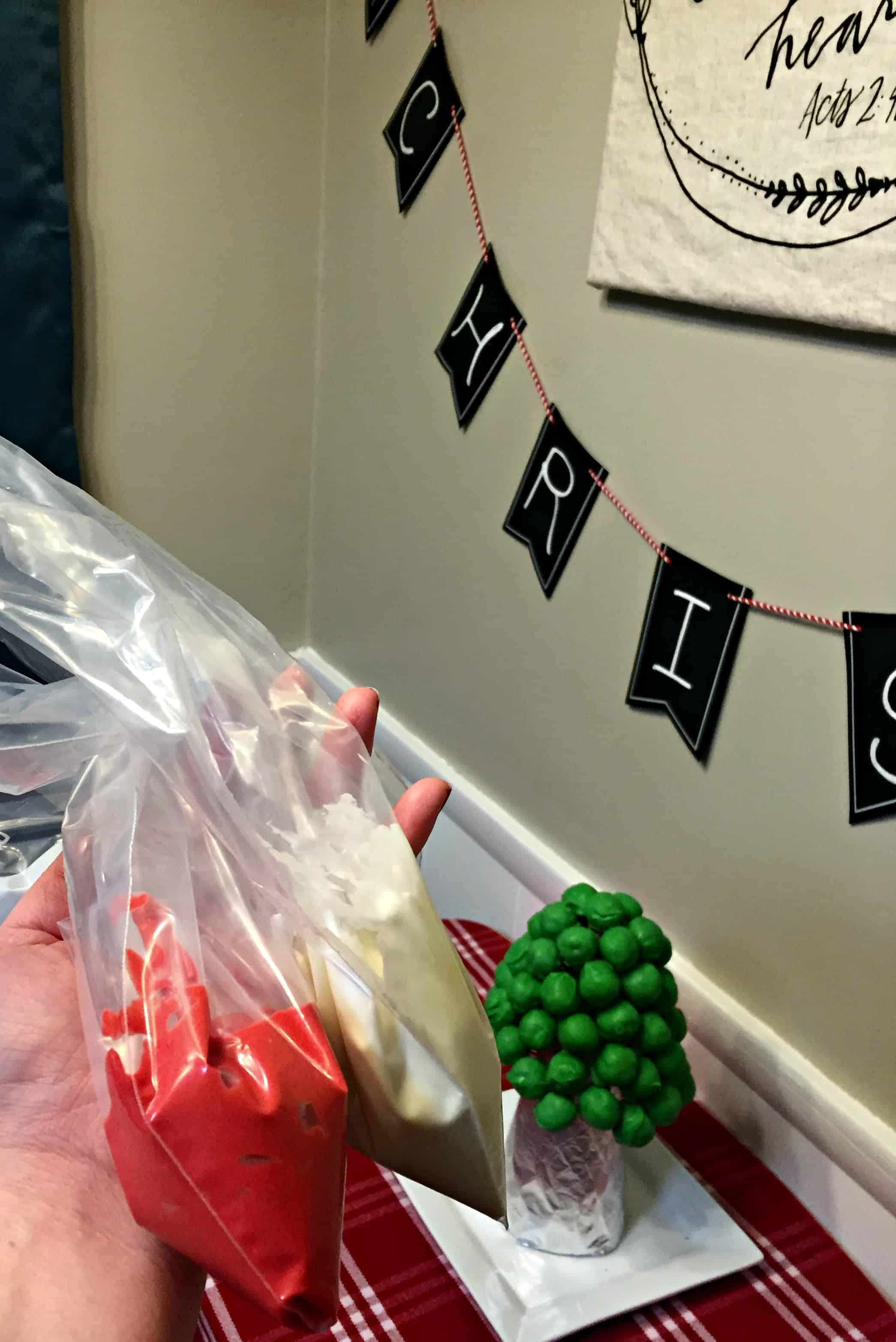OREO-Cookie-Balls-Christmas-Tree-9