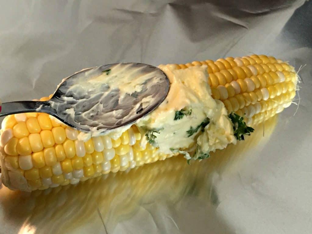 Garlic Parmesan Corn on the Cob 3