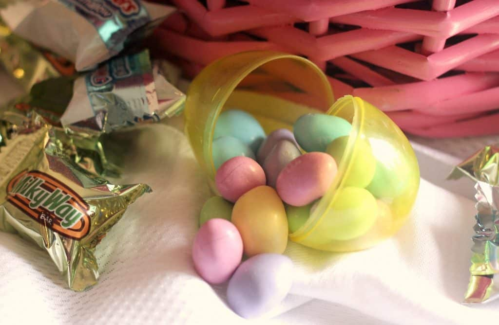 99 Easter Basket Ideas for Kids Plus Free Printable - Easter egg with M&M'S