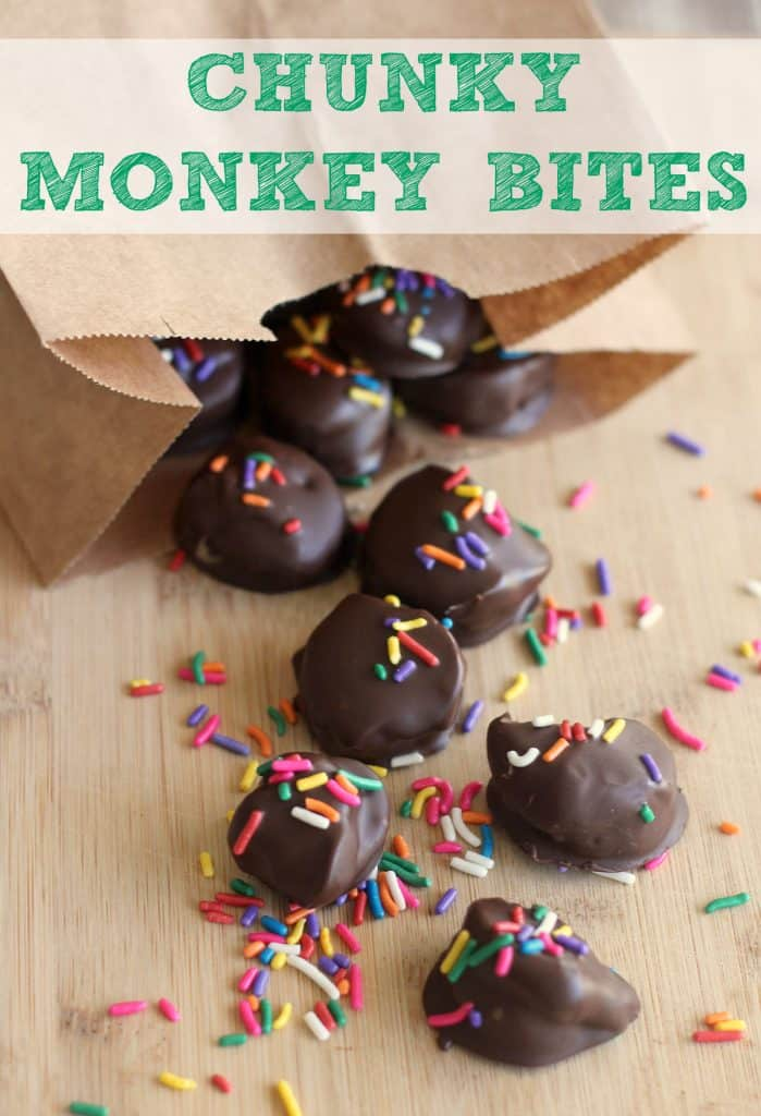 Chunky Monkey Peanut Butter Banana Bites are a fun treat the kids will love to see in their lunchbox! Dipped in dark chocolate and topped with colorful sprinkles, these peanut butter banana treats are sure to please. #PeanutButter #ChunkyMonkey #Banana #Lunchbox #KidFood #Snacks #KidSnacks #SchoolLunch