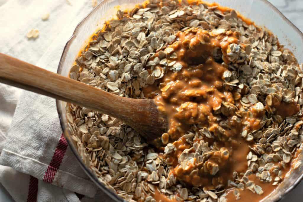 Mixing up Baked Pumpkin Pie Oatmeal