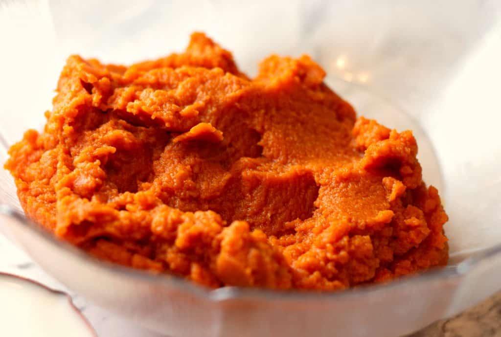 Pure pumpkin puree for Baked Pumpkin Pie Oatmeal