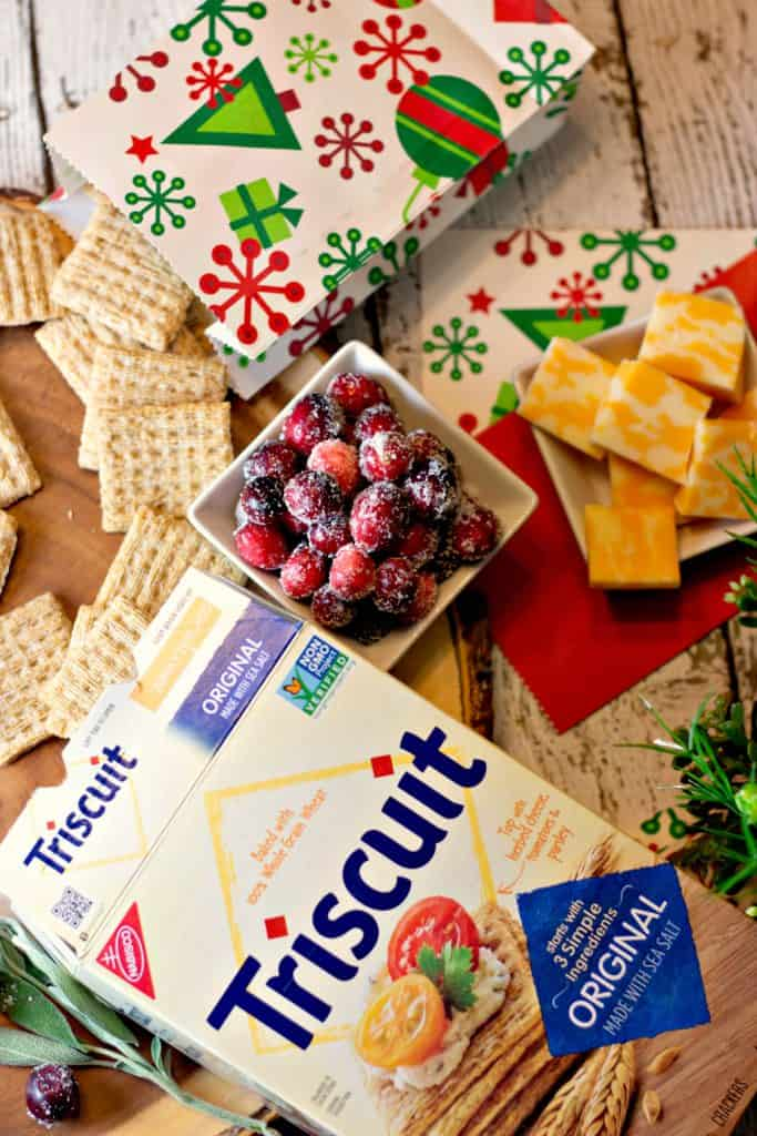 Triscuit for the Holidays! Fill a little paper bag with Triscuit for fun holiday snacking! #HolidaysWithTriscuit #ad #IC #Crackers #Tricuit #Cheese #CheeseTray #CheeseAndCrackers